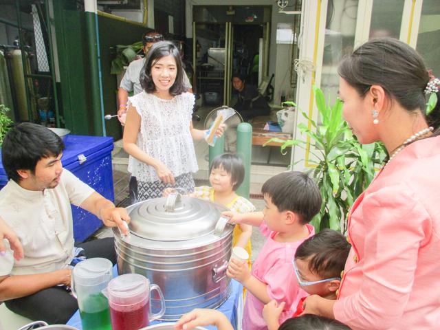 นิทรรศการของดีดีในเมืองไทย ชั้นอนุบาลปีที่ 1