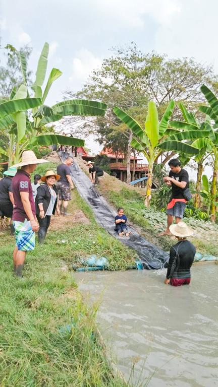 School Field Trip to 'Baan Kru Thani'